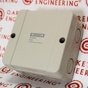 KF 9025 (6000452) Коробка ответвительная IP 65, размер 88х88х53, стойкая к УФ, мат. поликарбонат, опрессовка на 7 вводов М20, 5-пол. клеммн. 1,5-6 мм2
